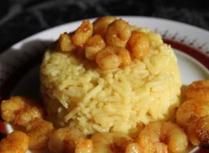 Creveti cu orez thai si sofran