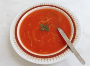 Supa de rosii cu fidea