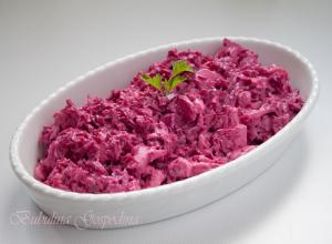 Salata de sfecla rosie cu pui